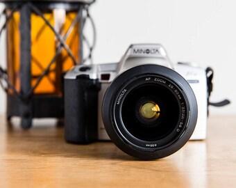 Minolta Maxxum STsi (Dynax 404si / A Sweet S) 28-80mm f/3, 5-5, 6 Movie Camera