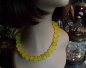 One strand necklace of faceted lemon yellow quartz