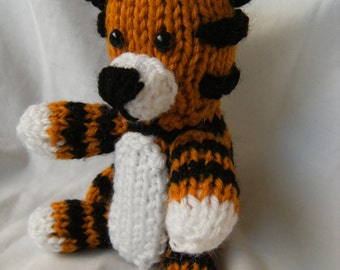 Instant download - Hobbes Pattern with optional scarf
