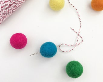 Needle For Stringing Felt Ball Garlands, Darners Needle, Size 18 Darners Needle