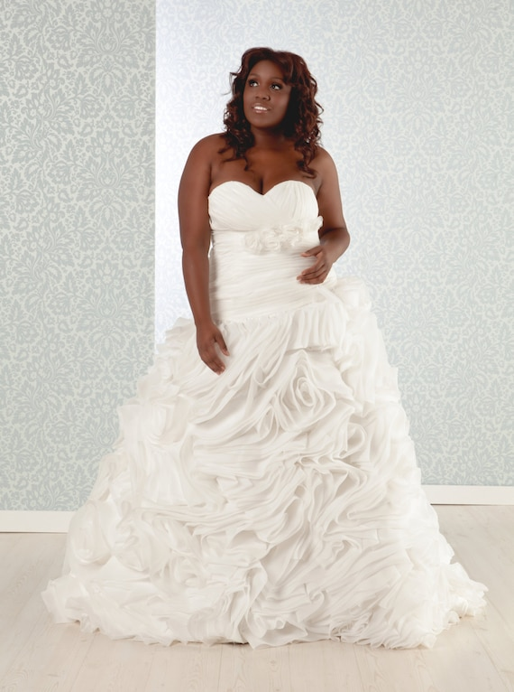 Items Similar To Plus Size Wedding Dress Luxurious Silk Organza Ball