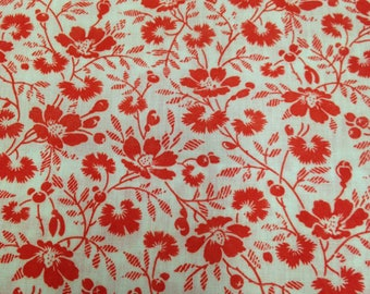 Red Printed Floral Cotton Polyester Fabric - 1-2/3 Yards - Vintage Fabric / 1970s Fabric / Red White Floral / Red & White Flowers