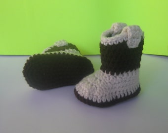 Cowboy boots, crochet baby boots, crochet baby booties, baby boy boots, baby girl boots, christmas boots, brown and tan boots, winter boots