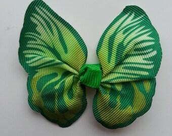 noeud en tissu imitation papillon 57*52mm dans les tons  vert