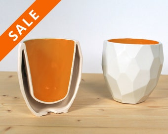 Facetted Modern Quality porcelain thermo tea cup - dual wall isolating cup hot drinks in polygons - Poligon thermo Cup - Bright  Orange