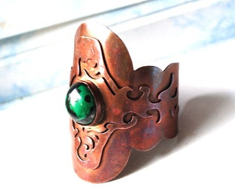 Boho vintage 70s,  copper    , wide, cuff ,  hand made,  two layers bracelet with a  green  art glass, cabochon .Size 6 1/2-and 7 1/2