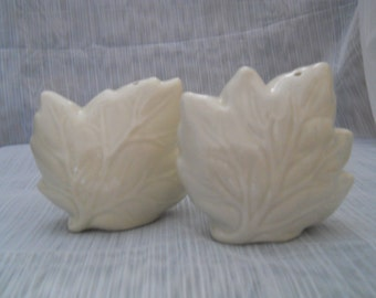 White Leaves Salt and Pepper Shakers, vintage, collectible