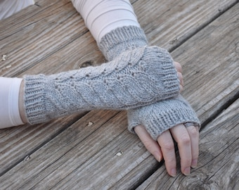 Outlander inspired fingerless gloves, fern leaf fingerless mitts, Claire's gloves, gray knit gloves, alpaca/wool blend
