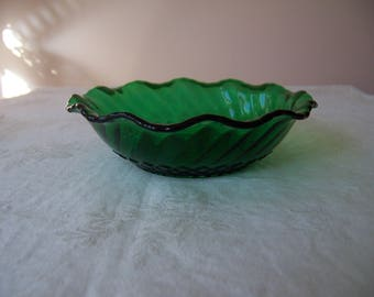 """Vintage Anchor Hocking Forest Green Small Round Serving Bowl - 6 1/2"""" Diameter"""