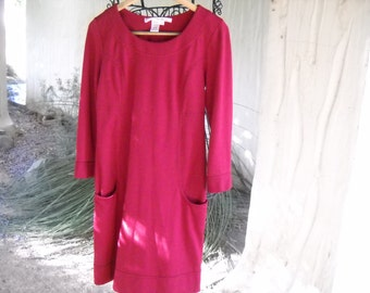Max Studio Long Sleeve red dress, Size Medium, Rayon, Polyester, Spandex, Figure flattering,Pockets in front