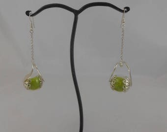 Earrings ball glass 18 mm and lime green sand