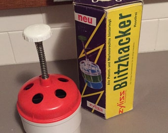Vintage Zyliss Blitzhacker rotating automatic food chopper, instructions and labels in 4 languages, comes in original box