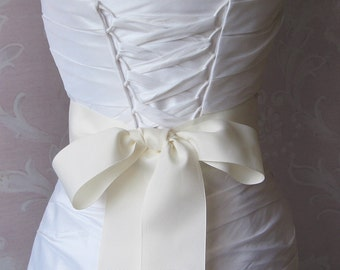 Ivory Grosgrain Ribbon, 2.25 Inch Wde, Ribbon Sash, Bridal Sash, Wedding Belt, 4 Yards