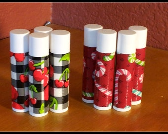 Looking for a good lip balm ? Did you know that the petroleum based products in the store dry out your lips? Try our Tallow lip balm !