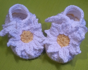 Princesses Only - Crochet booties pattern in English only