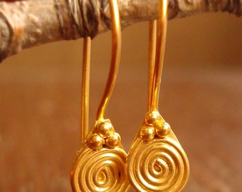 10 Pieces (5 Pairs) 24K Gold Vermeil Ornamented Ear Wire, French Hook, 21 Gauge, 23mm, VE214