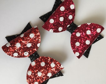 minnie mouse inspired disney red polka dot glitter. clip or headband. Children's hair accesories. Pretty, newborn, baby, girls bows. Felt