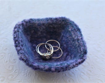 Wool Felt Ring Bowl,  Lavender and Blue Mini Wool Ring Bowl,  Blue Ring Bowl, Small Knit Ring Bowl, Purple Felt Wool Bowl, Purple Ring Bowl