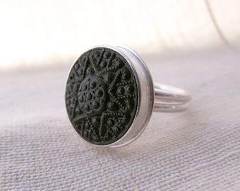 Vintage Black Glass Deco Button Ring