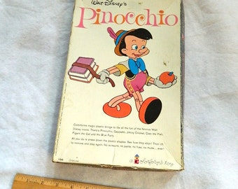 vintage toy 1962 WALT DISNEY'S PINOCCHIO Cartoon Kit colorform toy