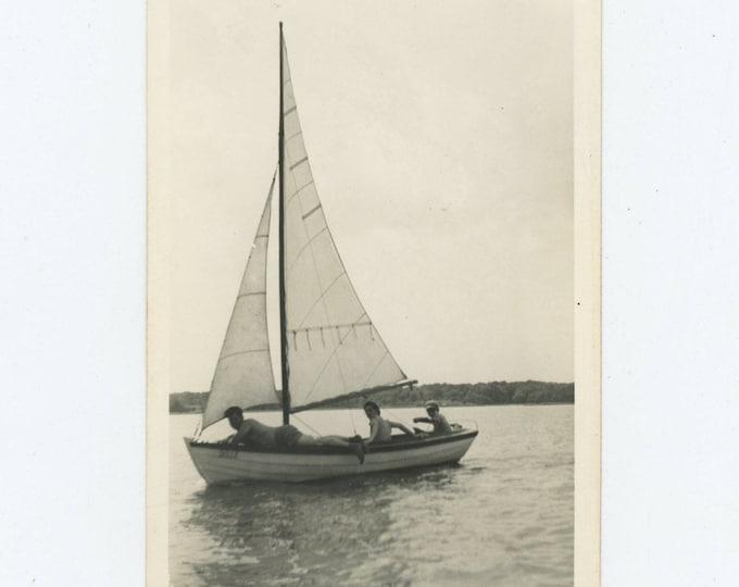 Vintage Snapshot Photo: Sailboat, Dartmouth, 1941 (81637]