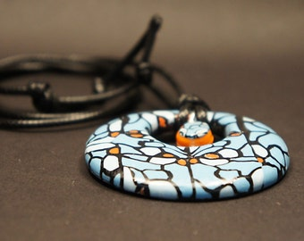 Awesome Abstract Round Pendant Necklace