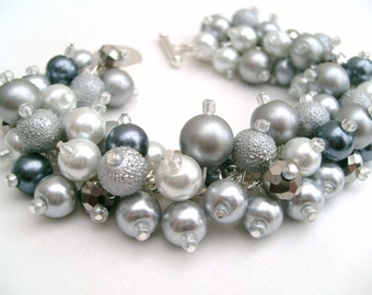 Silver Gray Slate Gray and White Pearl Beaded Bracelet, Wedding Jewelry, Bridesmaid Bracelet, Cluster Bracelet, Chunky Jewelry, Gray Wedding