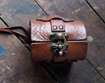 Crochet de verrouillage Bracelet manchette en cuir | Bracelet steampunk | Femmes hommes moto Biker poignet | Boho Hippie Bracelet | Bijoux en cuir