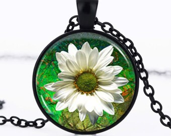 "Necklace ""White Daisy flower"" cabochon Medallion pendant glass chain"