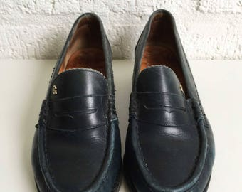 Dark green vintage loafers with low heel