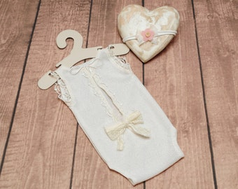 Cream Lace romper for newborn baby girl, Ivory cream onesie with back bow & tieback, Stretch lace bodysuit for baby, Newborn vintage outfit