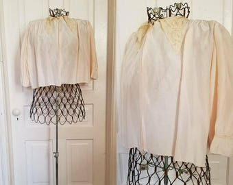 Vintage 40s 50s satin lace peach bed jacket lingerie small medium