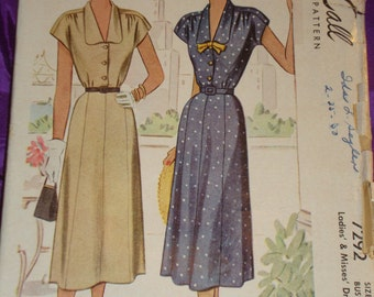 1940s 40s Vtg Dress Front Button Bodice Cap Sleeve Low V Neck Long Shaped Collar n Gored Skirt CMPLT McCall Pattern 7292 Bust 34 US 87 CM