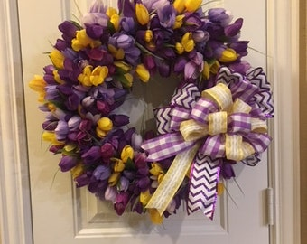 Tulip wreath with yellow accents