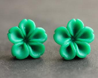Green Flower Earrings. Green Earrings. Bronze Post Earrings. Innie Flower Button Jewelry. Stud Earrings. Handmade Jewelry.