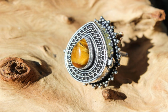 TIGERSEYE BOX RING - Pill Box - Silver plated - Crystal Ring - Stash box - Festival - Perfume Ring - Sale - Vintage style - Gemstone - Fun