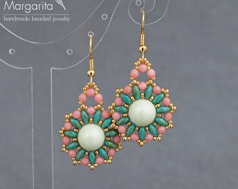 Beaded earrings with Swarovski pearl, beadwoven earrings, bead earrings, earrings with Swarovski, bead weaving earrings, beadwork earrings.