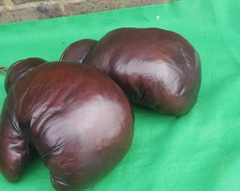 Vintage Pair Boxing Gloves all leather 12oz Size Great Looking Superb Decorating Piece,Superb Gift