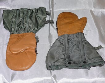 USAF Leather Mittens with Wool Liners - Own a piece of military history