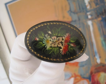 Vintage Brooch Pin Glove Pin Hat Pin Scarf Pin Hand Painted Black Lacquer Mother of Pearl Russia