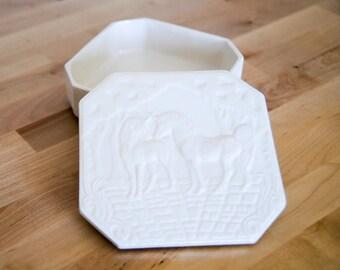 Vintage Jewelry Box • Unicorn Trinket Case • Opalescent Milk Glass • White Porcelain Ceramic • Iridescent Jar  • 70s 1970s 80s 1980s