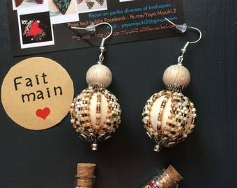 Earrings made of wood and Miyuki beads / / ivory and Taupe