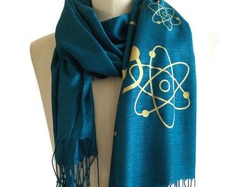 Atomic Print Scarf. Atom model pashmina. Science scarf, nuclear medicine student gift. Silkscreened linen weave pashmina.