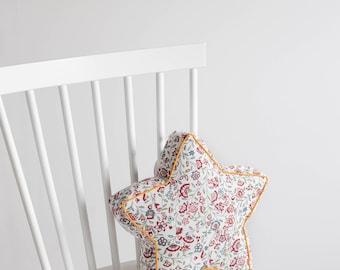 Tiny star pillow