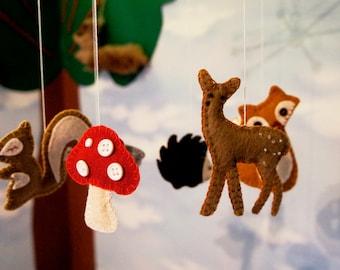 Forest Baby Mobile felt, Nursery Crib, Crib mobile, Nursery decoration, woodland crib mobile with deer, hedgehog,fox,mushroom,squirrel,bird