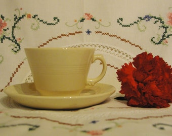 One Vintage Utility Woods Ware Jasmine Teacup and Saucer. 1940s Earthenware.
