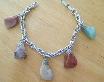 Vintage costume jewelry  / silver tone bracelet with gems