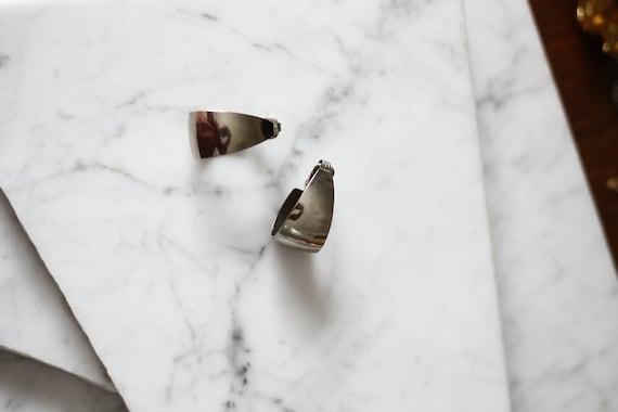1970s  silver hoop earrings // 1970s hoop earrings // vintage earrings