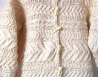 Classic Cardigan in 100% Virgin wool yarn