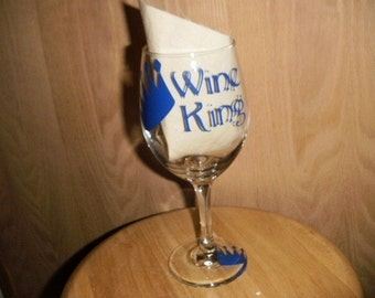 Wine King wine glass with crown